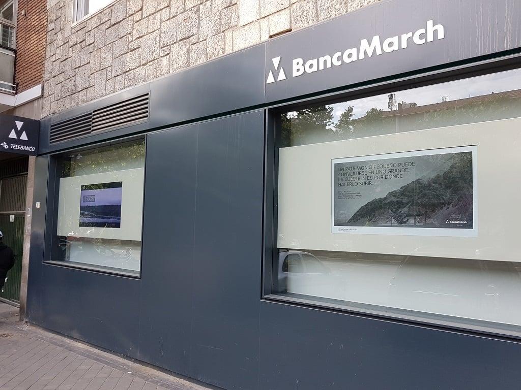 Ejemplo de publicidad en escaparates de Banca March - Banca Privada