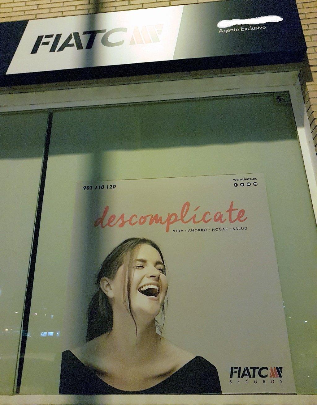 Ejemplo de publicidad en escaparates de Fiatc-Seguros