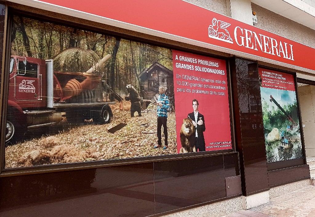 Ejemplo de publicidad en escaparates de Generali-Seguro-Hogar