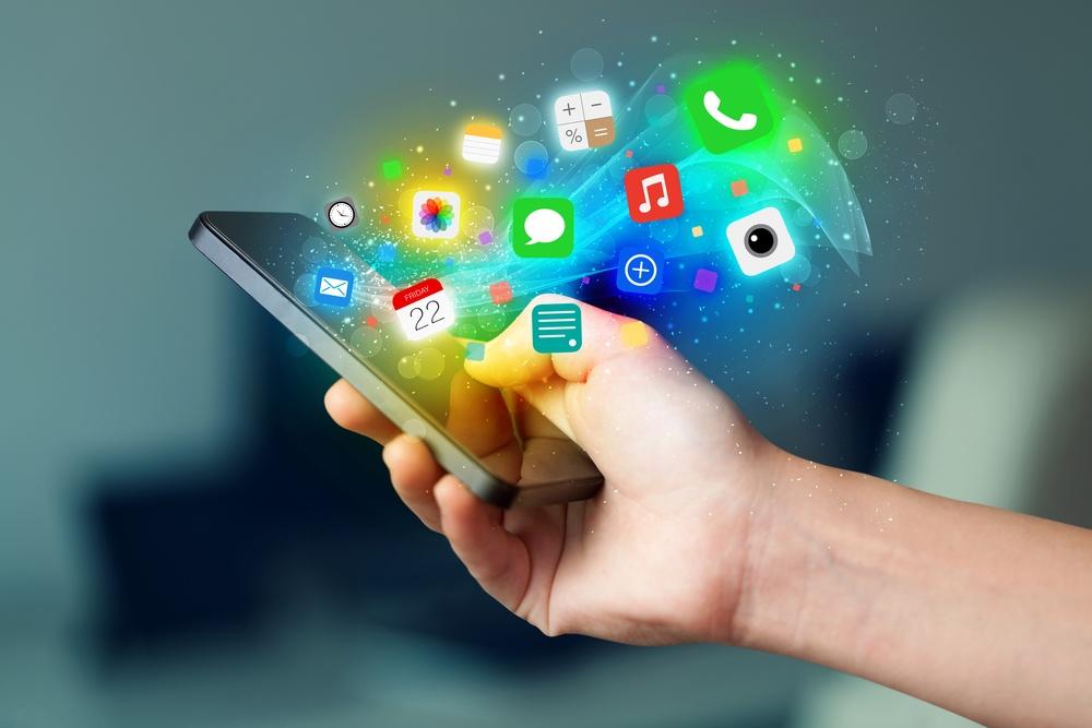 Móvil con direntes apps
